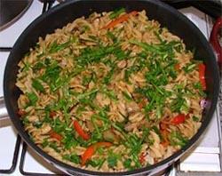 פסטה עם ירקות ברוטב טריאקי