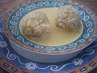 גונדי (כדורי בשר בסגנון פרסי במרק עוף)