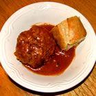 """קציצות בשר ברוטב אדום עמוק מטריפולי – """"שיפטה"""""""