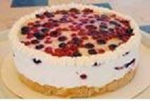 עוגת גבינה ללא אפיה בציפוי מנגו או רכז פירות טרופיים