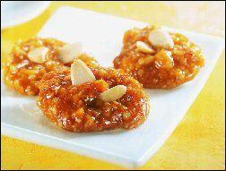 עוגיות שקדים ופיסטוקים בדבש (סוהאנה עסל)